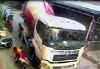 Xe bồn đánh lái, suýt gây tai nạn cho 2 mẹ con