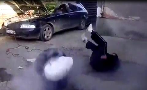 Hiểm họa chết người từ việc cài dây an toàn sau lưng