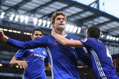 Thắng hoành tráng, Chelsea chạm 1 tay vào ngôi vương