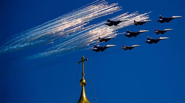 Xem Nga duyệt binh rầm rộ mừng Ngày Chiến thắng