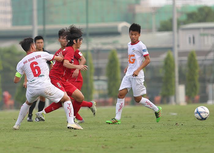 7ed0f26858168 Tuấn Anh chê tiền đạo U22 Việt Nam không biết ghi bàn