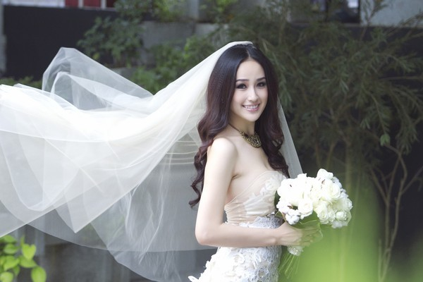Hoa hậu Mai Phương Thúy bị bạn trai chê nhạt nhẽo
