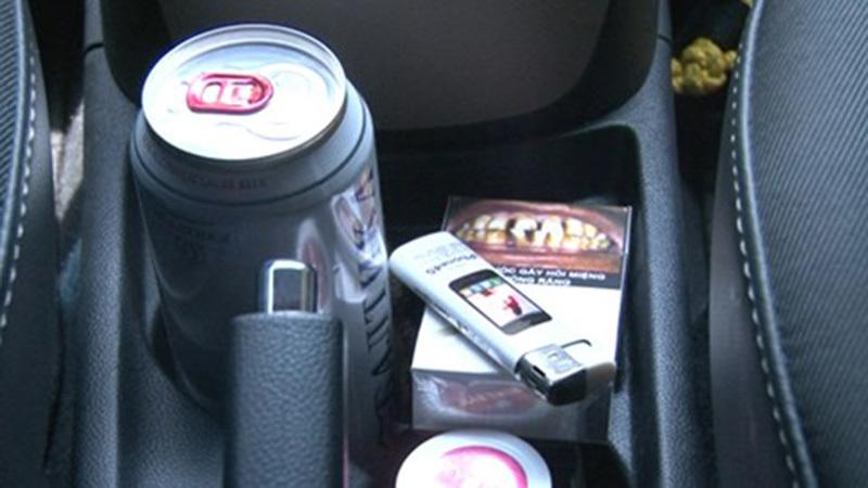 Cảnh báo đồ vật dễ cháy nổ để trong ô tô, cốp xe máy