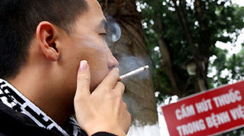 Thuốc lá 'hân hạnh tài trợ' bệnh ung thư phổi như thế nào?