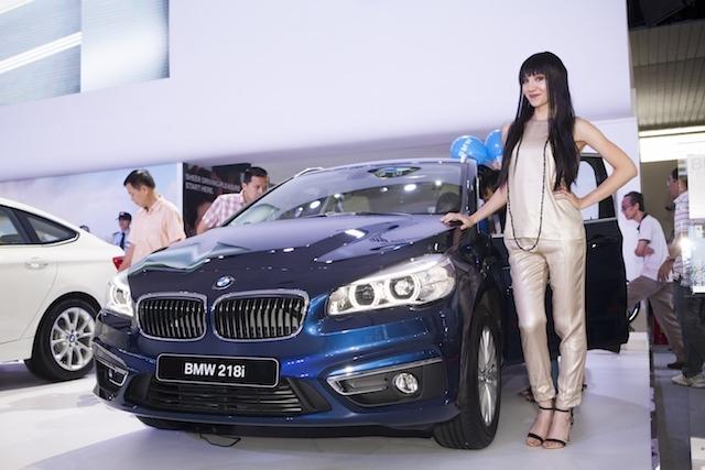 Lo hơn 600 xe tiền tỷ phơi mưa nắng, lãnh đạo BMW AG lại xin gặp Bộ Tài chính