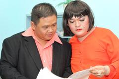 Diễn viên đồng loạt bỏ sân khấu của Minh Béo