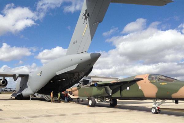 máy bay siêu vận tải, C-17 Globemaster II , siêu máy bay Mỹ