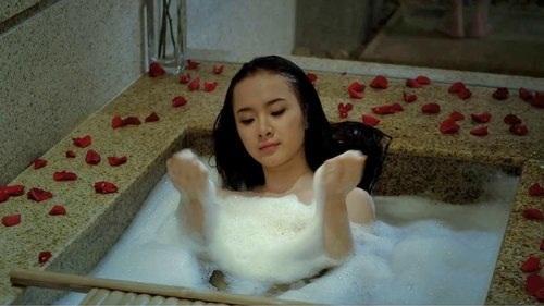 Angela Phương Trinh, Em chưa 18, phim việt, sao việt, phim chiếu rạp