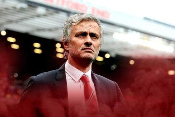 """Mourinho """"kích nổ"""" 4 bom tấn, Conte được thưởng đậm"""