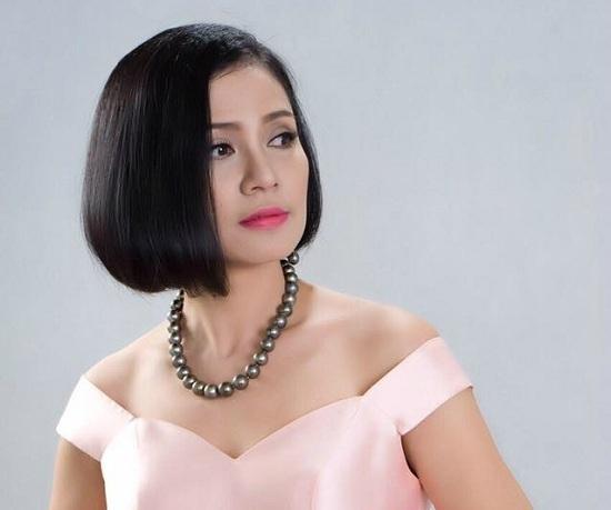 Việt Trinh đau xé lòng trước câu hỏi của con trai MC Thảo Vân