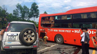 Xế hộp lấn làn phi thẳng xe khách trên cao tốc Hà Nội - Lào Cai