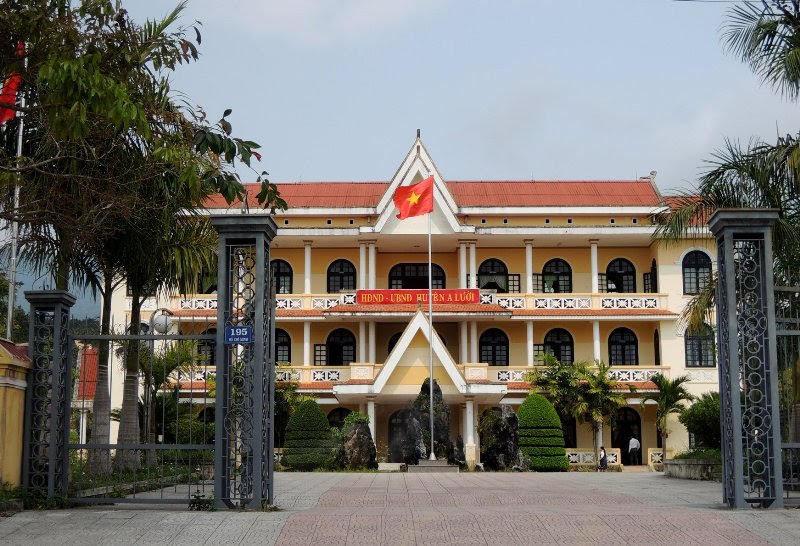 'Cả nhà làm quan' ở Huế: Từ chối tiếp nhận lại cán bộ bổ nhiệm sai