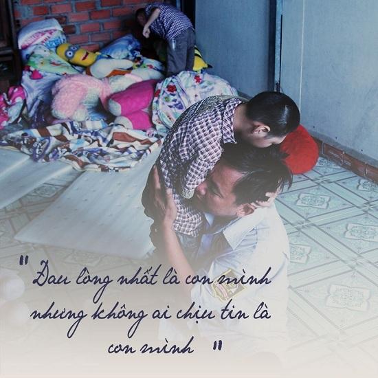 Đau lòng trước cuộc sống cơ cực của người cha nuôi con bị teo não