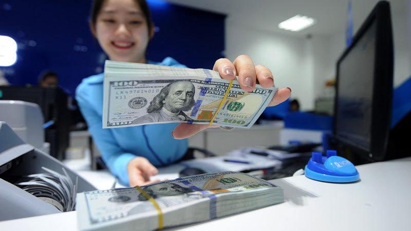 Tỷ giá ngoại tệ ngày 12/5: USD thế giới treo ở mức cao