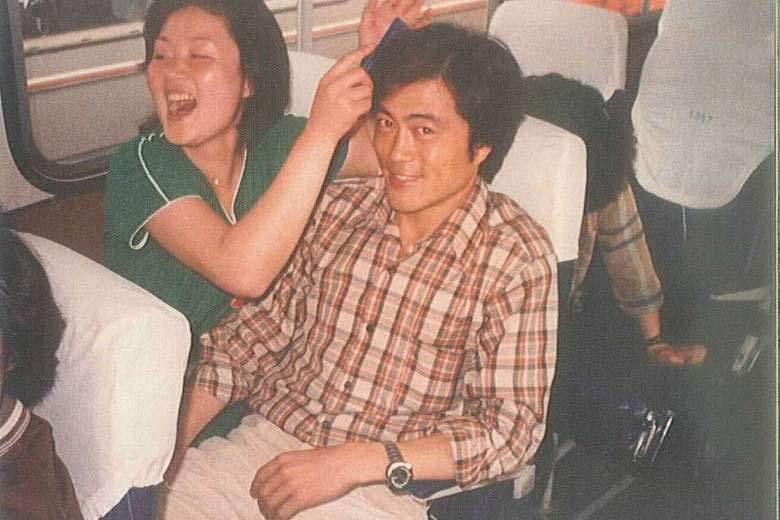 Chuyện tình lãng mạn của vợ chồng Tổng thống Hàn Quốc