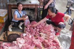 Lời trần tình uất nghẹn của chị bán thịt lợn bị hắt nhớt để dằn mặt