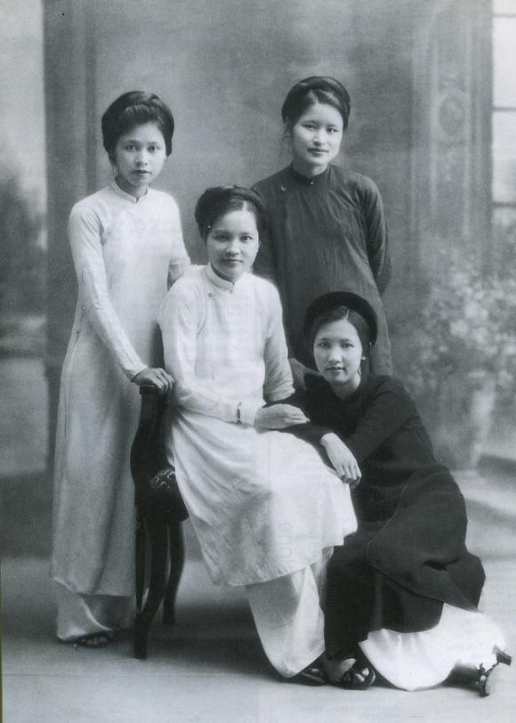 Hà                                          Nội xưa, Học giả Nguyễn Vĩnh,                                          nhà thơ Nguyễn Nhược Pháp,                                          giai nhân Hà Thành
