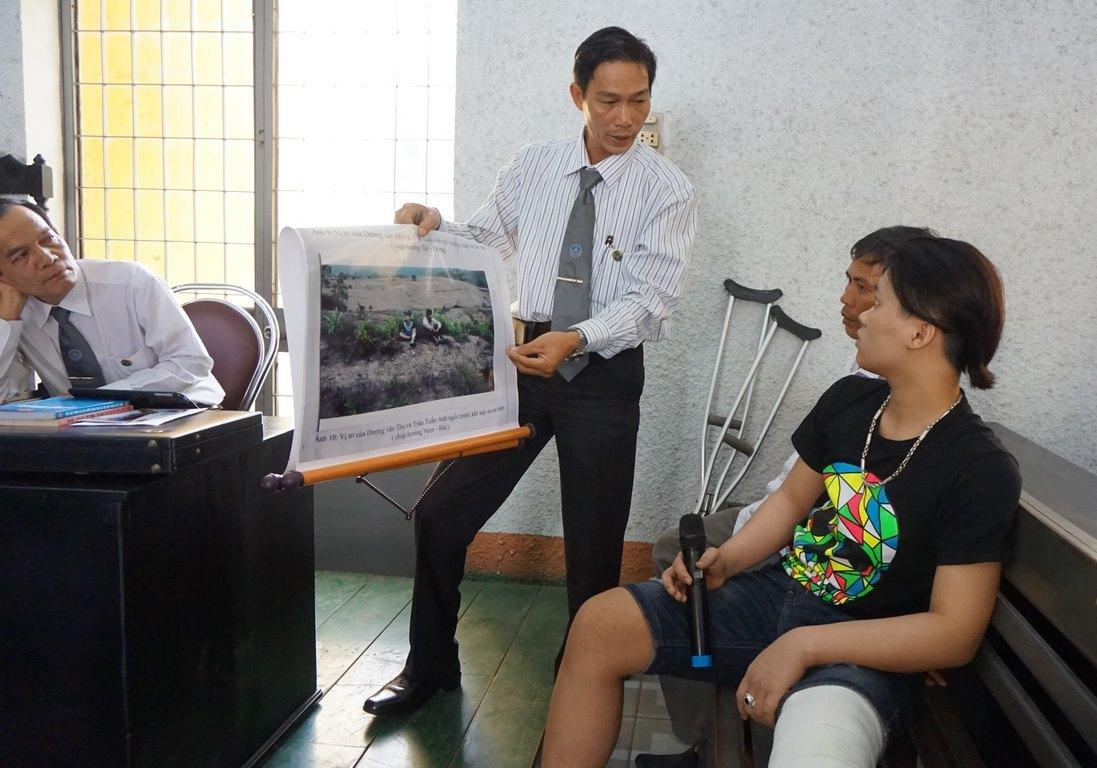 tai nạn giao thông, rượt đuổi luật sư