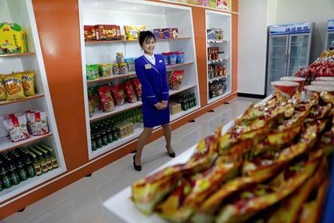 Có gì trong các quầy hàng ở bách hóa, siêu thị Triều Tiên?