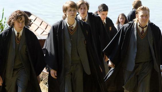 J.K.Rowling ngăn fan mua phần ngoại truyện 'Harry Potter' bị đánh cắp