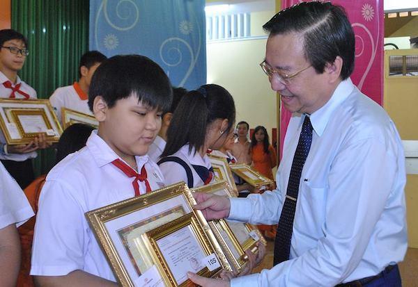 117 học sinh được trao giải cuộc thi Toán học tư duy và thực tiễn