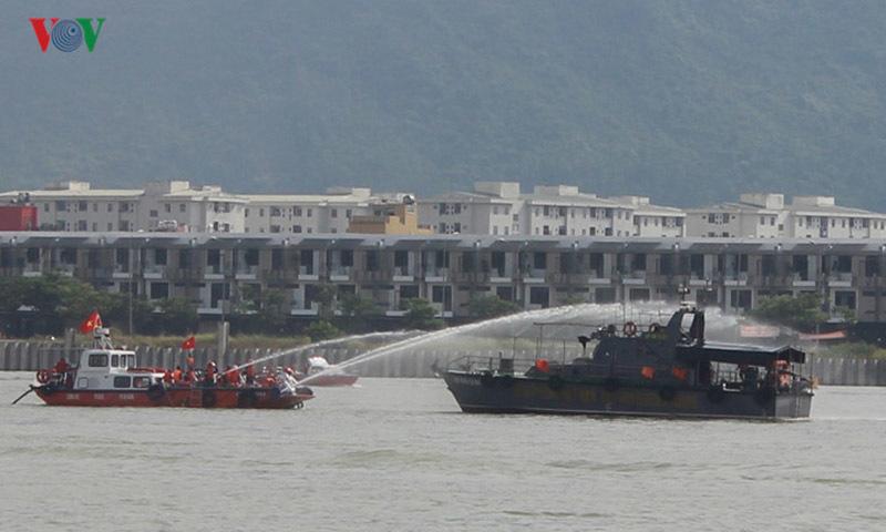 hải quân, hải quân Hoa Kỳ, hải quân Việt Nam, tràn dầu