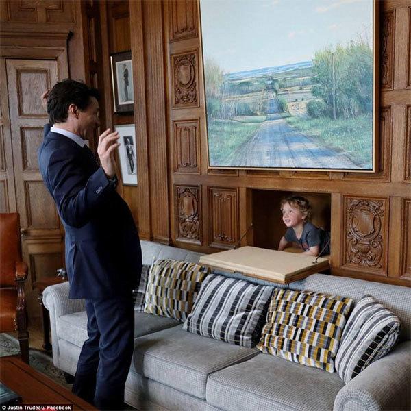 Ngắm ảnh cha con 'Thủ tướng quyến rũ nhất thế giới'