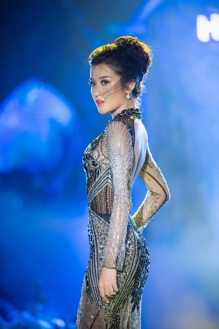 Hoa hậu Đỗ Mỹ Linh đẹp như nữ thần