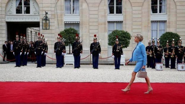 Điện Elysee đón chào tân Tổng thống Pháp