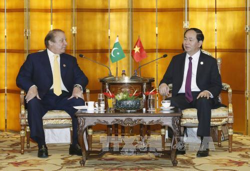 Chủ tịch nước gặp Thủ tướng Pakistan