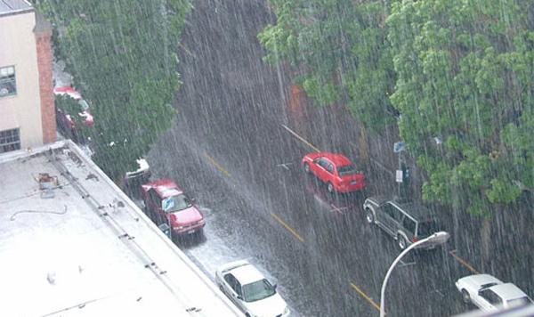 Dự báo thời tiết 15/5: Hà Nội mưa to