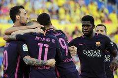Neymar lập hat-trick, Barca nuôi hy vọng vô địch