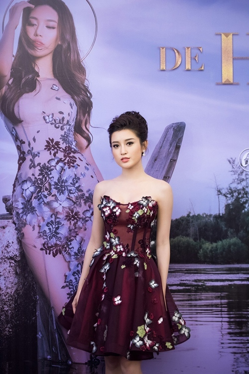 Hà Hồ rạng rỡ hội ngộ Cường Đô-la, Phan Thị Mơ khoe nhẫn 1,3 tỷ