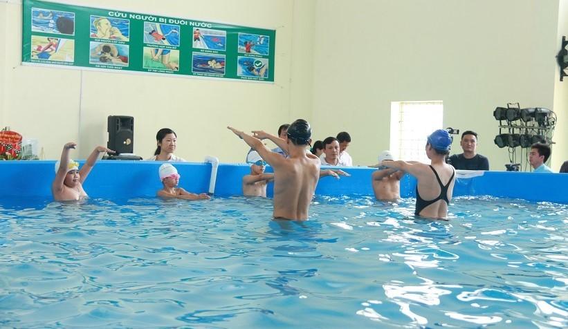dạy bơi, học bơi