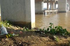 Thi thể bé trai trôi trên sông Đồng Nai