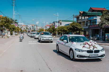 Dàn xe sang trăm tỷ rước dâu tại Quảng Ninh
