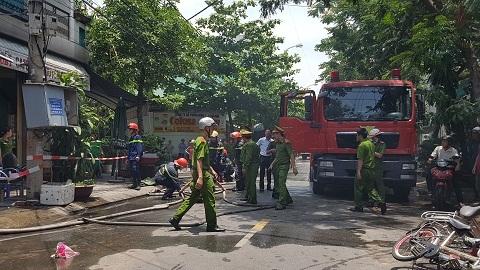 Đà Nẵng: Cháy lớn giữa trưa, 4 người trong gia đình thoát nạn