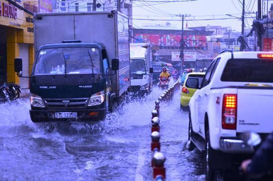 mưa to, ngập nặng, ngập nước, TPHCM, sài gòn ngập nặng, ngập lụt, ùn tắc giao thông