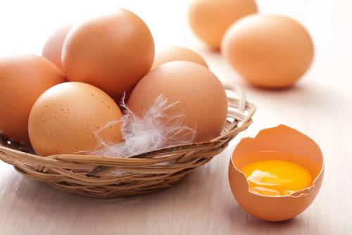 Cách làm kem trứng đánh bông cho bé tại nhà đơn giản nhất