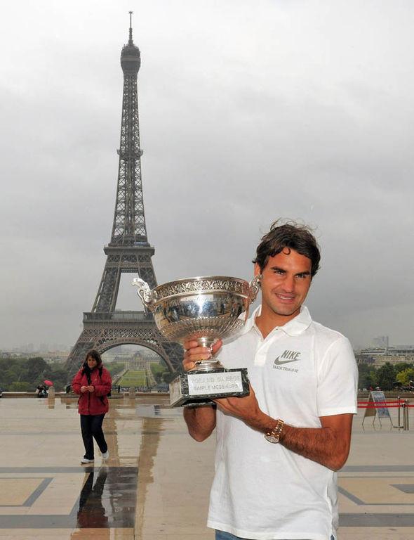 Ngán Nadal, Federer bỏ chạy khỏi Roland Garros?