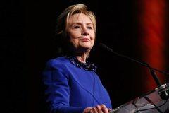 Hillary bất ngờ lập nhóm hành động chính trị