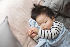 Tại sao bạn nên học cách nuôi con từ người chưa từng làm mẹ?