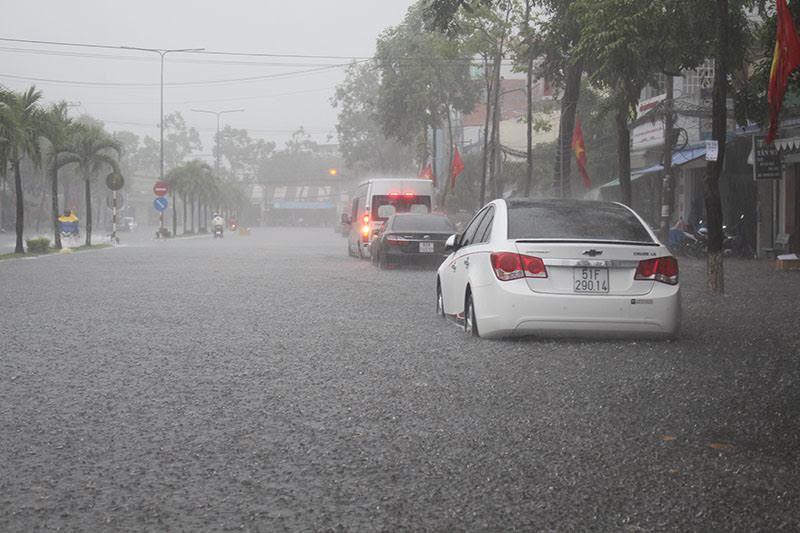 Cần Thơ, ngập nặng, mưa kỷ lục, ngập, mưa lớn, ùn tắc giao thông