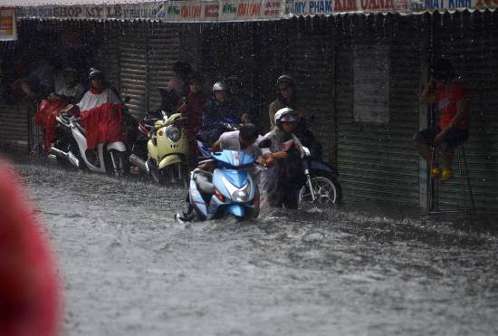 TPHCM đưa thông tin cảnh báo 40 điểm ngập nước lên mạng
