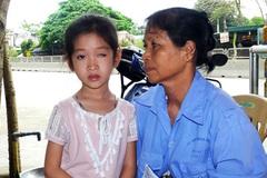 Trò lớp 1 bị phi thước kẻ mù mắt trái: Nhà trường đền hơn 100 triệu