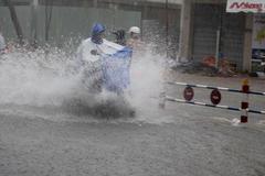 Dự báo thời tiết 17/5: Nam Bộ mưa to, đề phòng lốc xoáy