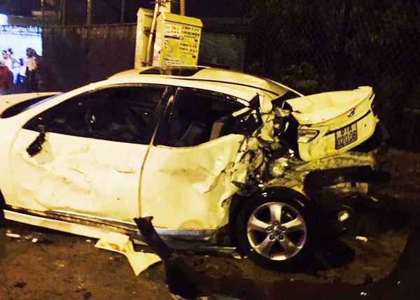 Xe chở người đi cấp cứu tông liên hoàn, nữ sinh chết thảm