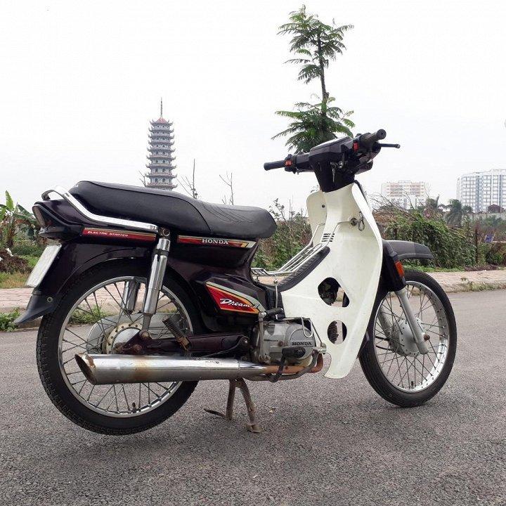 Loạn giá  Honda Dream Thái: '5 triệu cũng được, 100 triệu cũng có'