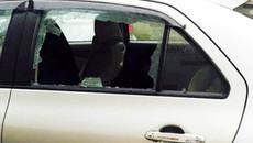 Mải ăn bún bò, bị trộm đập cửa kính ô tô lấy hơn 400 triệu đồng