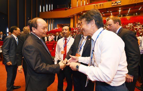 Thủ tướng Nguyễn Xuân Phúc, Nguyễn Xuân Phúc, Thủ tướng đối thoại với doanh nghiệp, bộ trưởng kế hoạch đầu tư, Nguyễn Chí Dũng
